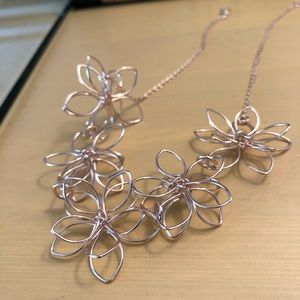 3D flower necklace